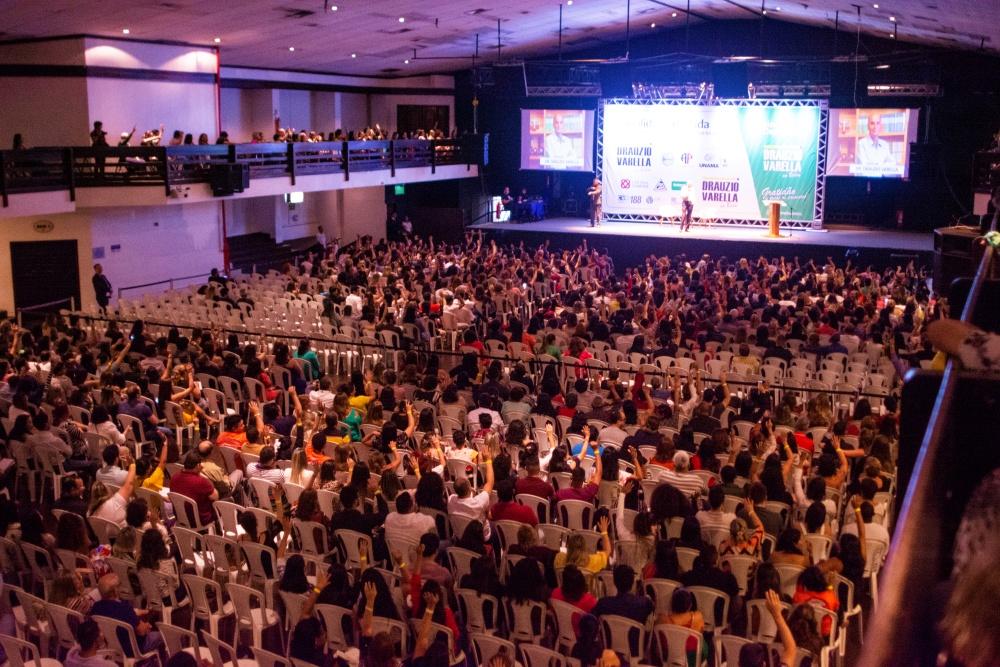 Mais de 1,5 mil pessoas se reuniram para ouvir o médico na capital paraense