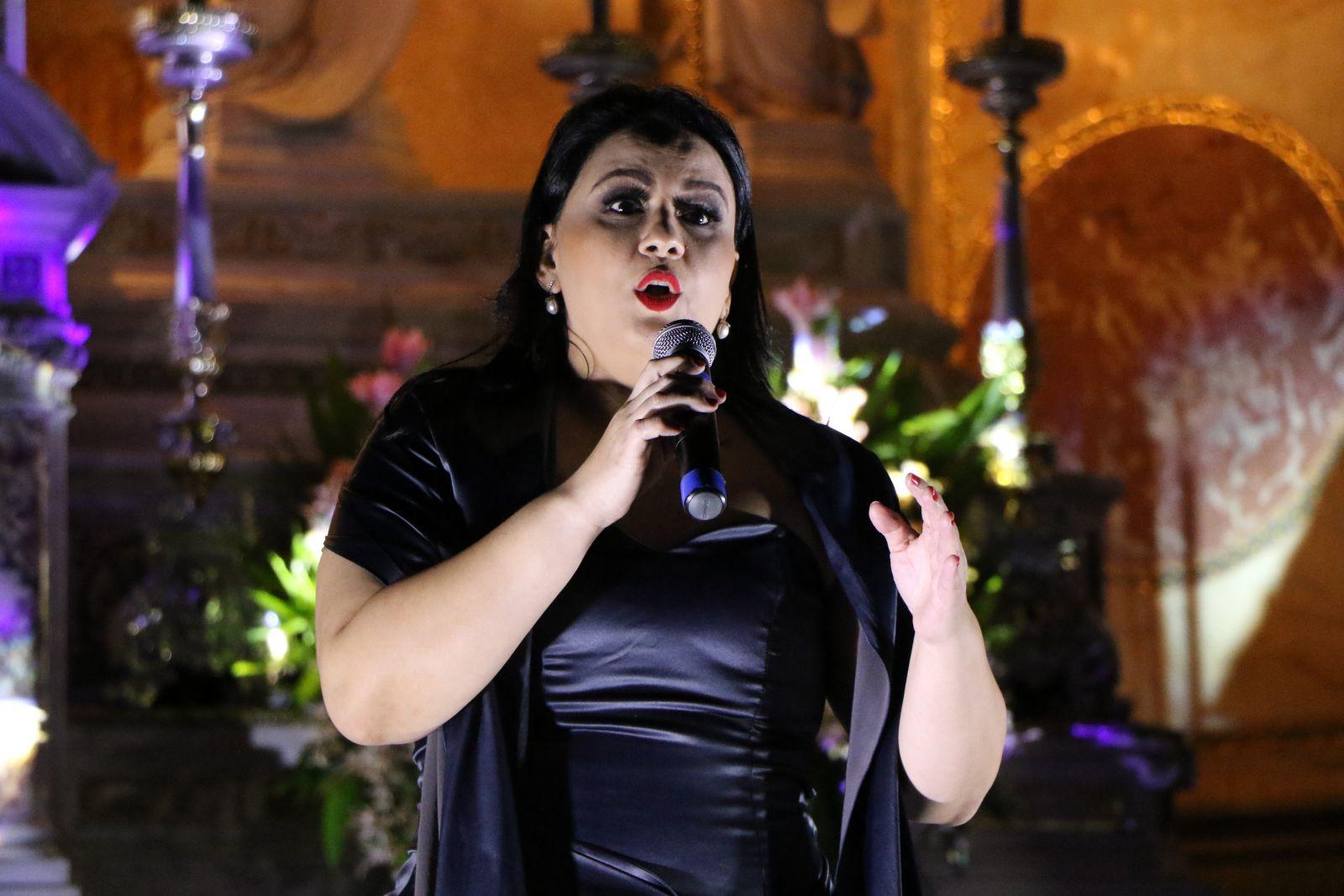 A soprano Patrícia Oliveira é uma das atrações da live
