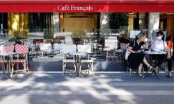 França sai aos poucos do confinamento social