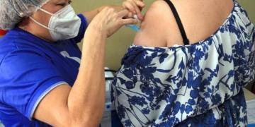 Sesma convoca diversos profissionais de saúde para se vacinar neste domingo (16)