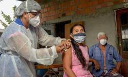 Vacinação contra covid-19 pode ser permanente para os indígenas