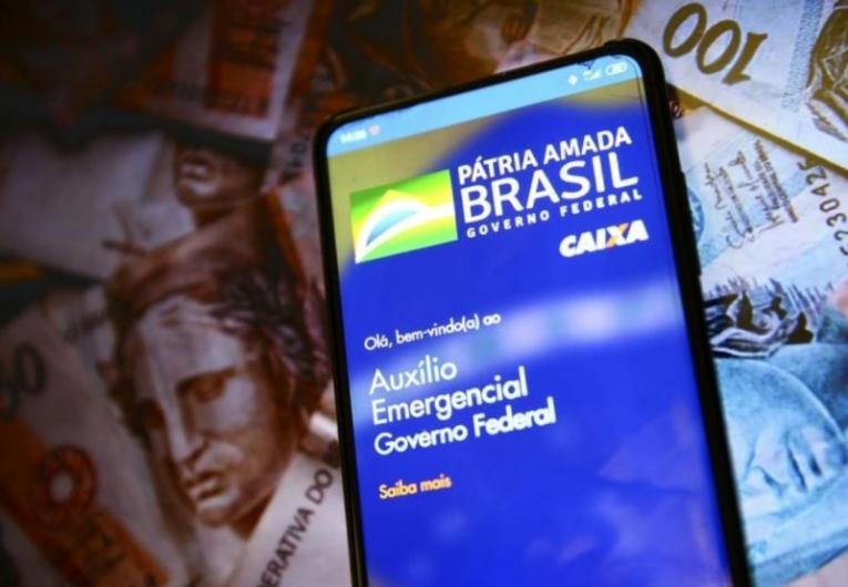 Beneficiários do Bolsa Família recebem hoje (21) parcela do auxílio emergencial