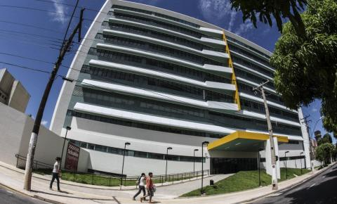 Santa Casa realiza processo seletivo para níveis médio e superior