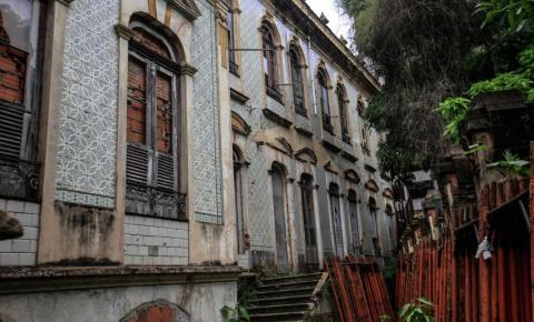 Há quase 18 anos fechado, palacete Faciola será restaurado