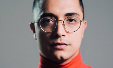Projeto Arte na Sexta apresenta o cantor Arthur Nogueira