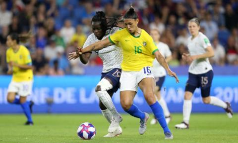 Pia Sundhage convoca seleção para Torneio na França