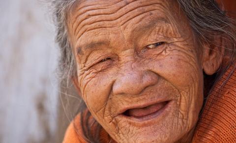 Campanha promove combate da violência contra o idoso