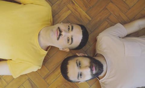 Dupla lança música e clipe que falam sobre o isolamento social