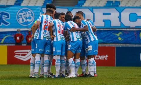 Paysandu e Ypiranga-RS se enfrentam neste sábado em jogo decisivo; saiba onde assistir