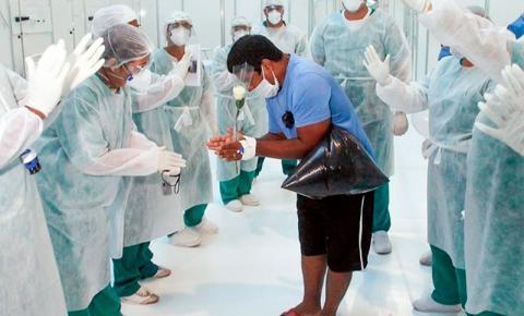 Entrevista: Enfermeira vacinada contra a covid-19 fala sobre os desafios da pandemia