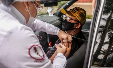 Idosos de 66 a 67 anos recebem 2ª dose da vacina nesta segunda (12), em Ananindeua