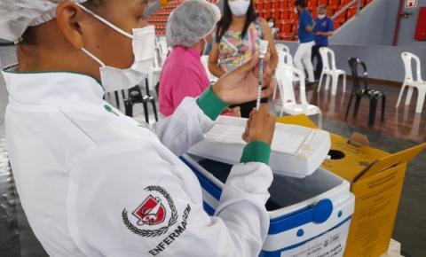 Grávidas e puérperas são imunizadas com a vacina da Pfizer em Belém