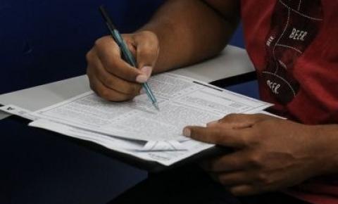 Governo firma contrato com organizadora de quatro concursos públicos