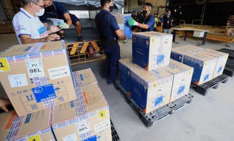 Pará recebe mais de 100 mil doses de vacinas contra a covid-19