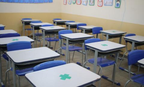 Rede municipal de ensino retoma aulas presenciais nesta segunda-feira (13)
