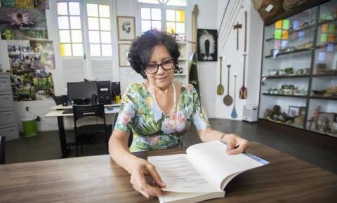 Professora lança livro sobre saúde e qualidade de vida