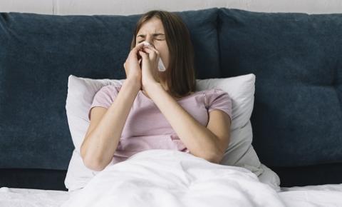Rinite alérgica pode afetar o sono e a produtividade